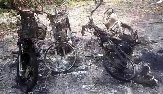 Làm rõ việc 3 xe máy của cán bộ bảo vệ rừng bất ngờ cháy rụi - Ảnh 1