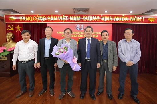 Nhà báo Nguyễn Tiến Thanh trúng cử Bí thư chi bộ báo ĐS&PL - Ảnh 4