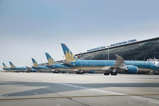 Vietnam Airlines tạm dừng khai thác tất cả các đường bay quốc tế đến 30/4 - Ảnh 1