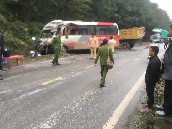 Tin tai nạn giao thông mới nhất ngày 3/3/2020: Xót xa nam sinh tử vong sau khi va chạm với xe tải - Ảnh 3