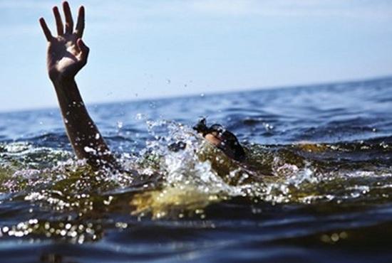 Theo cha vào rẫy tưới cà phê, 2 anh em tử vong dưới đập nước - Ảnh 1