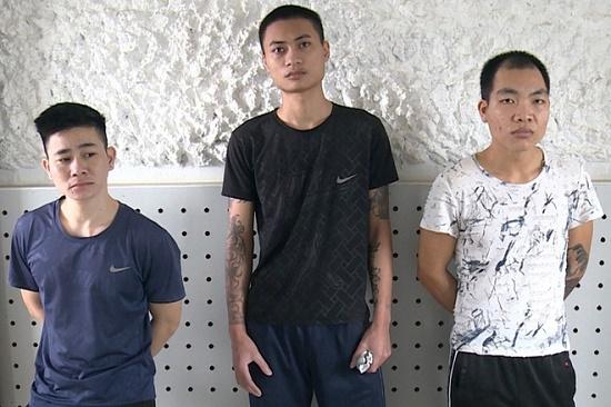 Bắt tạm giam nhóm thanh niên táo tợn lừa bán phụ nữ vào động mại dâm - Ảnh 1