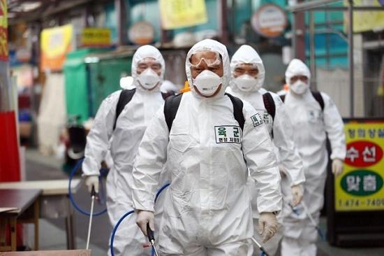 Tình hình dịch virus corona ở Hàn Quốc: Ghi nhận thêm gần 1.000 ca nhiễm Covid-19 - Ảnh 1