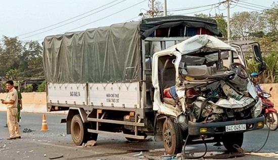 Tin tai nạn giao thông mới nhất ngày 7/3/2020: Va chạm với xe tải, cụ ông tử vong thương tâm - Ảnh 2