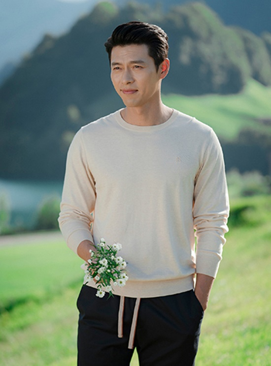 """Nhan sắc đỉnh cao của những """"ông chú"""" độc thân quyến rũ nhất màn ảnh Hàn Quốc - Ảnh 2"""