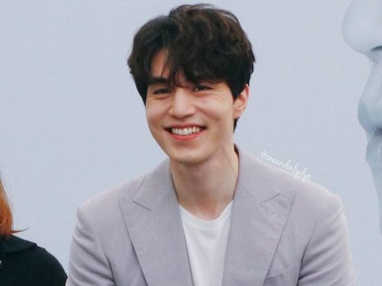 """Nhan sắc đỉnh cao của những """"ông chú"""" độc thân quyến rũ nhất màn ảnh Hàn Quốc - Ảnh 4"""