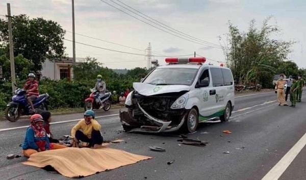 Tin tai nạn giao thông mới nhất ngày 16/42020: Tông trực diện vào xe tải, nam thanh niên tử vong tại chỗ - Ảnh 1