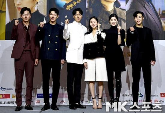 """Tạo hình cổ trang của """"Quân vương bất diệt"""" Lee Min Ho đẹp xuất sắc, """"đốn tim"""" người hâm mộ - Ảnh 5"""