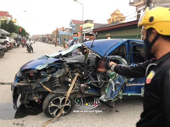 Nam Định: Ô tô va chạm kinh hoàng với xe ba bánh, 3 người bị thương - Ảnh 1