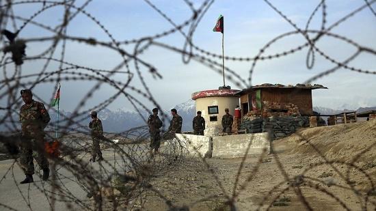 Căn cứ không quân của Mỹ ở Afghanistan bị 5 quả rocket tấn công - Ảnh 1