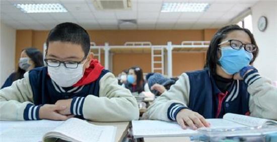 Giãn cách cho học sinh trở lại trường học: Bài toán khó thách thức ngành giáo dục - Ảnh 1