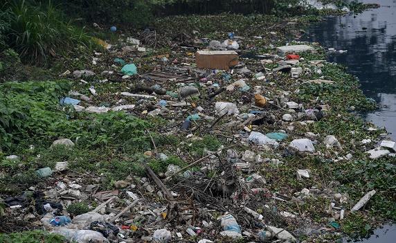 """Đề xuất """"người gây ô nhiễm phải trả tiền"""": Ai sẽ giám sát và """"cầm cân nảy mực"""" việc định lượng rác thải để thu tiền? - Ảnh 1"""