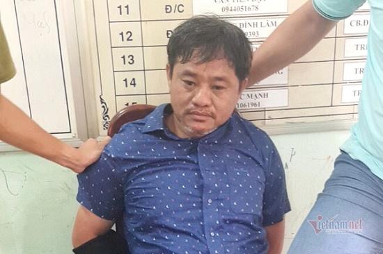 Vụ thi thể cháy đen trong ô tô bán tải ở Đắk Nông: Dòng người xót thương tiễn đưa nạn nhân xấu số - Ảnh 3