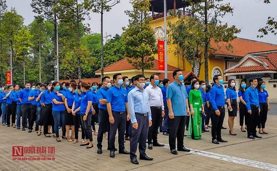 Đoàn thanh niên hội Luật gia Việt Nam viếng Lăng Chủ tịch Hồ Chí Minh - Ảnh 2