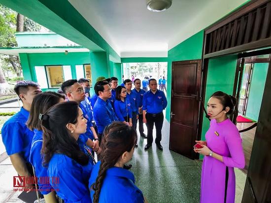 Đoàn thanh niên hội Luật gia Việt Nam viếng Lăng Chủ tịch Hồ Chí Minh - Ảnh 5