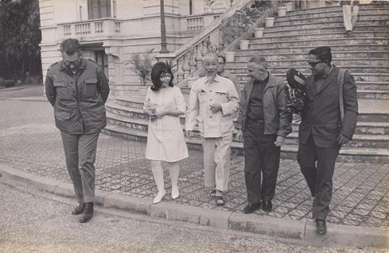 Vẻ đẹp bông hồng 5 thập kỷ Bác tặng nữ phiên dịch Cuba - Ảnh 2