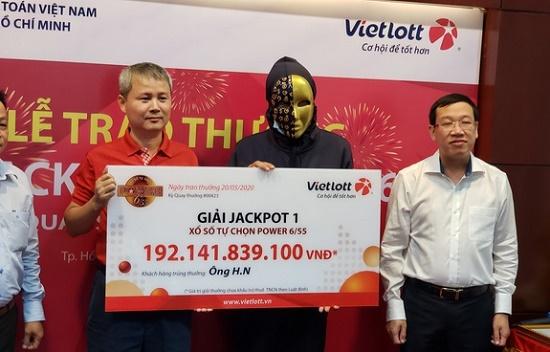 Người đàn ông lao động tự do ở Sài Gòn trúng Vietlott 192 tỷ đồng - Ảnh 1
