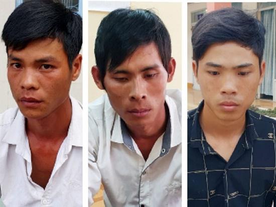 Lời khai của nhóm đối tượng kề dao vào cổ người đi đường cướp tài sản tại Phú Quốc - Ảnh 1