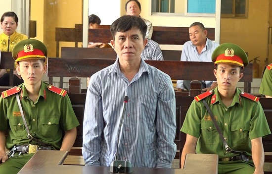 Bị cáo Nguyễn Văn Hùng tại phiên tòa xét xử. Ảnh: VOV