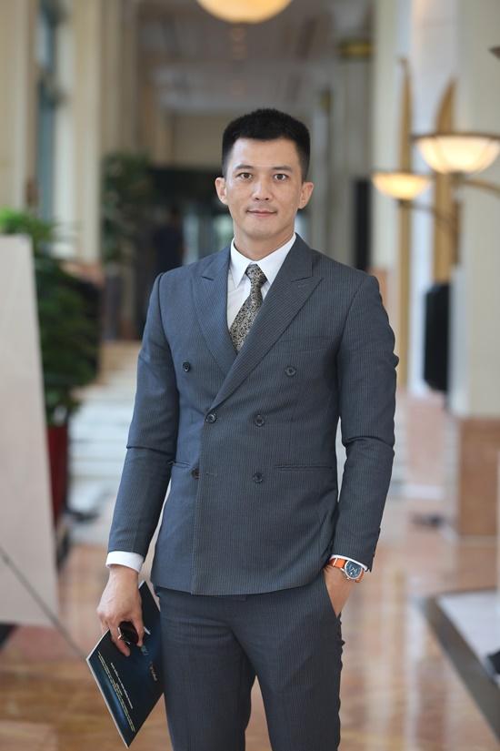 """""""Quỳnh búp bê"""" Phương Oanh lên đồ hở bạo trong họp báo, ra mắt phim """"Lựa chọn số phận"""" - Ảnh 3"""