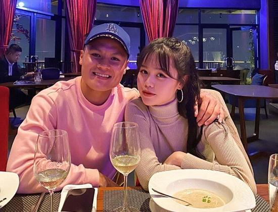 """Bạn gái Quang Hải đăng ảnh mới cực xinh, """"thâm thúy"""" đáp trả bình luận của dân mạng - Ảnh 3"""