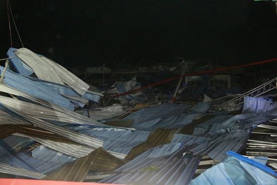 Ám ảnh hiện trường vụ sập nhà xưởng ở Vĩnh Phúc khiến 3 người chết, 18 người bị thương - Ảnh 3
