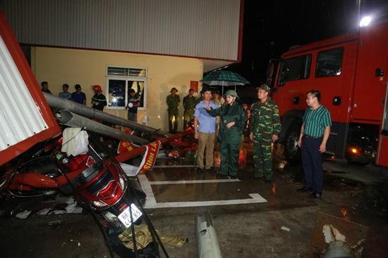 Ám ảnh hiện trường vụ sập nhà xưởng ở Vĩnh Phúc khiến 3 người chết, 18 người bị thương - Ảnh 5