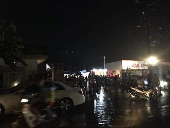 Ám ảnh hiện trường vụ sập nhà xưởng ở Vĩnh Phúc khiến 3 người chết, 18 người bị thương - Ảnh 7