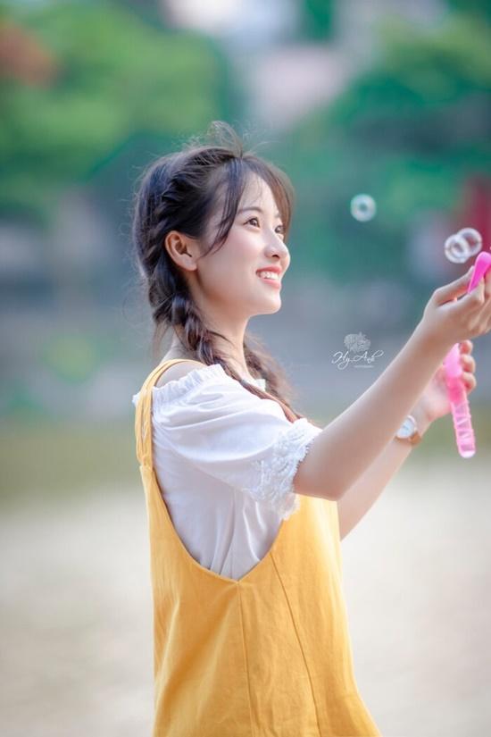 """Vẻ đẹp trong veo của nữ sinh Thái Nguyên khiến bao người phải """"yêu ngay từ cái nhìn đầu tiên"""" - Ảnh 2"""