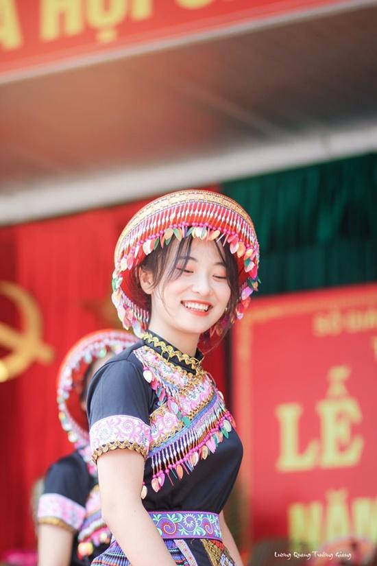 """Vẻ đẹp trong veo của nữ sinh Thái Nguyên khiến bao người phải """"yêu ngay từ cái nhìn đầu tiên"""" - Ảnh 8"""