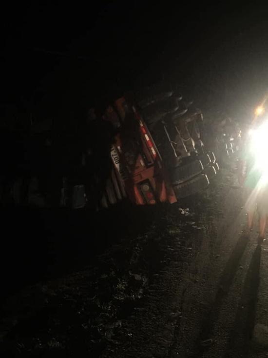 Hiện trường vụ tai nạn giao thông thảm khốc tại Quảng Ninh khiến 3 người tử vong - Ảnh 7
