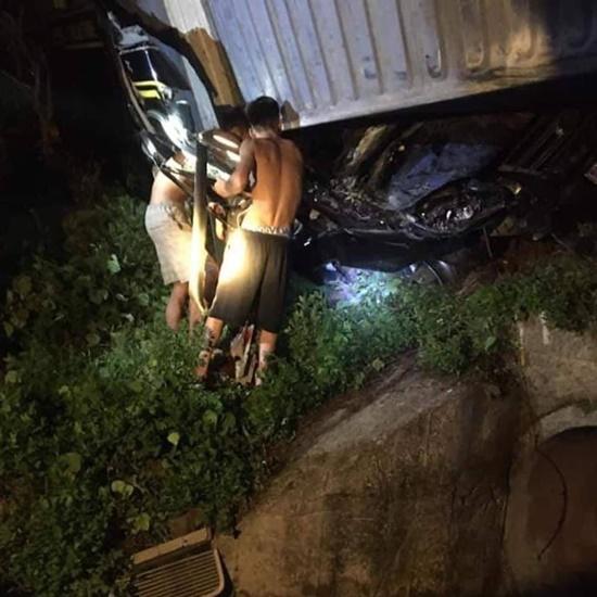 Hiện trường vụ tai nạn giao thông thảm khốc tại Quảng Ninh khiến 3 người tử vong - Ảnh 4
