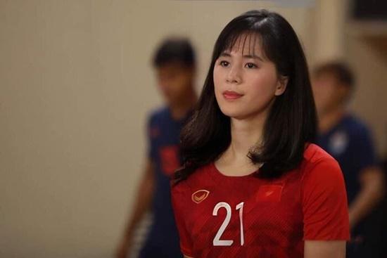 """Cười """"té ghế"""" với loạt ảnh sao tuyển bóng đá Việt Nam """"đu"""" trend """"bẻ cong giới tính"""" - Ảnh 2"""