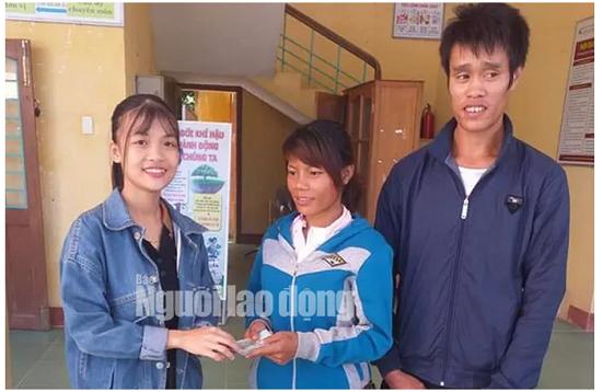 Thiếu nữ xinh đẹp trả lại 22 triệu đồng cùng vàng cho cặp vợ chồng nghèo - Ảnh 1