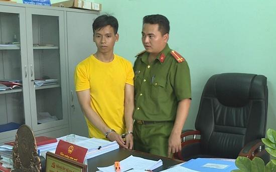 Bất ngờ lý do gã trai 29 tuổi từng có tiền án tiền sự đột nhập trụ sở xã - Ảnh 1