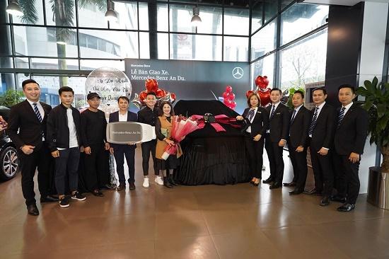 """""""Soi"""" lại chiếc Mercedes-Benz GLC 300 gần 2,4 tỷ đồng của cầu thủ Quang Hải - Ảnh 2"""