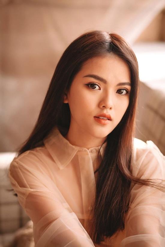 Vẻ đẹp lạ của nữ sinh bạch tạng hóa nàng thơ khi lần đầu làm mẫu ảnh - Ảnh 10