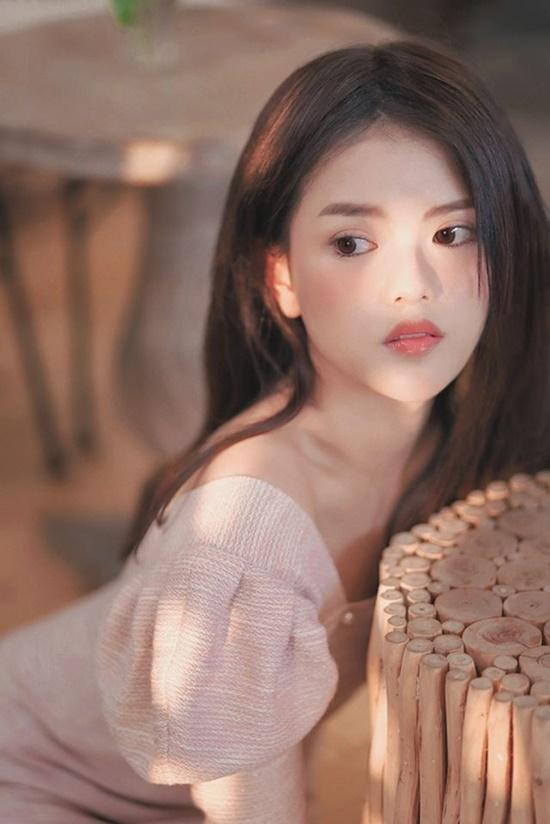 Vẻ đẹp lạ của nữ sinh bạch tạng hóa nàng thơ khi lần đầu làm mẫu ảnh - Ảnh 7