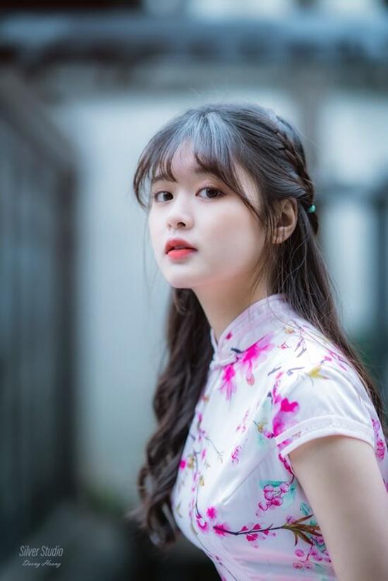 Cận cảnh nhan sắc trong veo, thu hút mọi ánh nhìn của nữ sinh từng xuất hiện cùng HLV Park Hang Seo - Ảnh 4