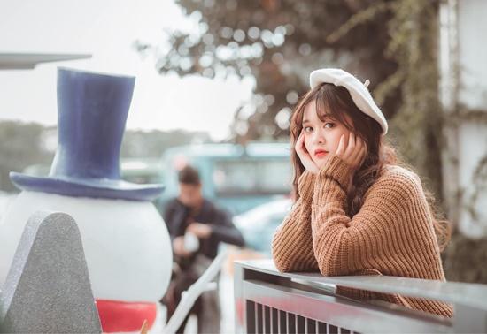 Cận cảnh nhan sắc trong veo, thu hút mọi ánh nhìn của nữ sinh từng xuất hiện cùng HLV Park Hang Seo - Ảnh 6