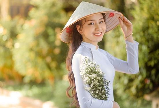 """Nữ sinh diện áo dài trắng khoe nhan sắc trong veo như nắng mai, dân tình thốt lên """"crush quốc dân là đây"""" - Ảnh 5"""