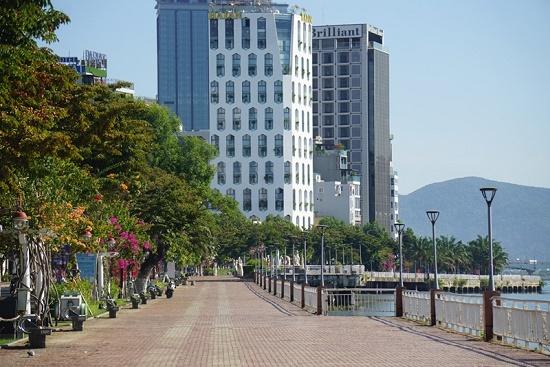 Đà Nẵng chính thức phong tỏa 3 bệnh viện, cách ly 6 quận từ 0h ngày 28/7 - Ảnh 1