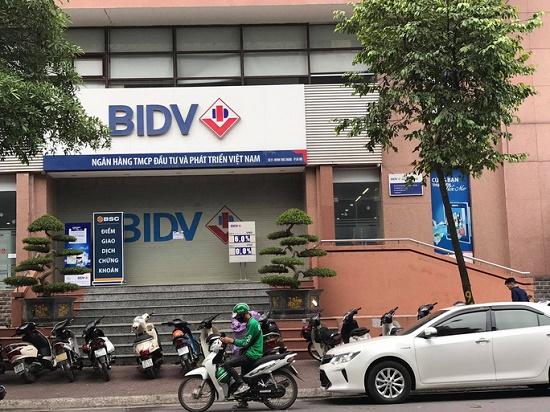 Vụ nổ súng, cướp ngân hàng BIDV tại Hà Nội: Hai nghi phạm di chuyển từ đâu đến địa điểm gây án? - Ảnh 1