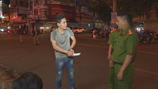 Vụ thanh niên đâm gục người tại quán cà phê ở Đắk Lắk: Do nhớ lại mâu thuẫn từ 1 năm trước - Ảnh 1