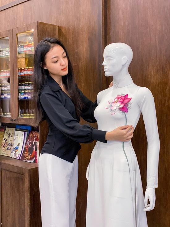 """Nữ sinh đại học quốc gia thi Hoa hậu Việt Nam, nhìn xuống cái tên nhiều giám khảo phải """"ngỡ ngàng"""" - Ảnh 1"""