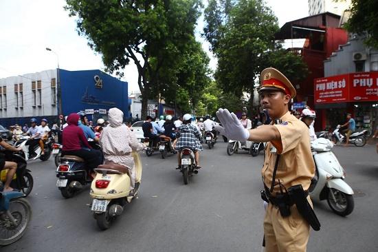 Phân luồng giao thông phục vụ Lễ Quốc tang nguyên Tổng Bí thư Lê Khả Phiêu - Ảnh 1