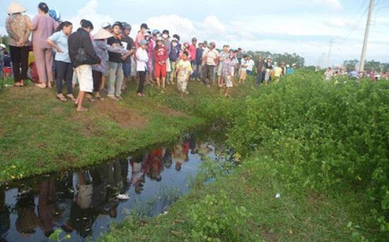 Vụ thầy hiệu trưởng tử vong bất thường cạnh con sông ở Hà Nội: Bí thư xã tiết lộ bất ngờ - Ảnh 1
