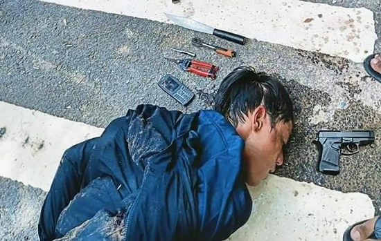 Hiện trường vụ tên trộm xe máy rút súng bắn trả người truy đuổi ở Bình Dương - Ảnh 1