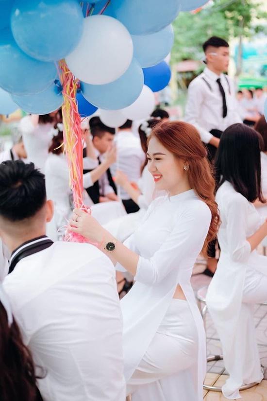 Nhan sắc đẹp đến nao lòng không thua kém gì đàn chị của nữ sinh nhỏ tuổi nhất Hoa hậu Việt Nam 2020 - Ảnh 1