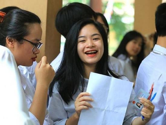 Thi tốt nghiệp THPT 2020: Gần 6.000 bài thi đạt điểm 10 - Ảnh 1